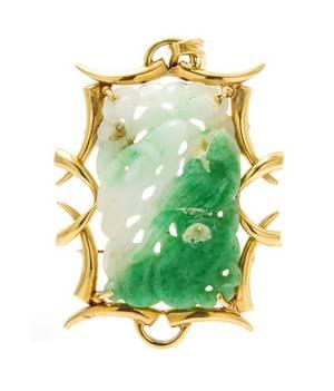 An 18 Karat Yellow Gold Jade PendantBrooch