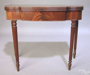 Pennsylvania Federal mahogany card table ca 1810