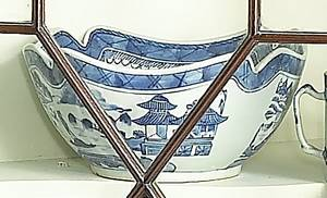 Chinese export blue and white Canton cut corner bowl 19th c