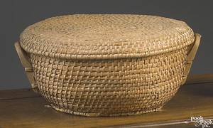 Large round lidded ryestraw basket late 19th c