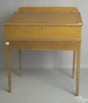 Pennsylvania pine schoolmasters desk