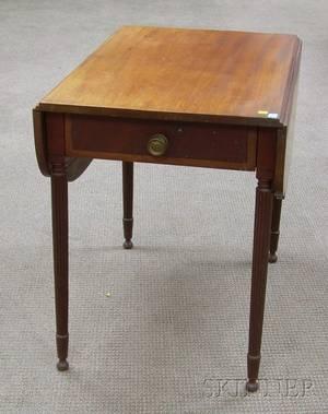 Federal Inlaid Mahogany and Mahogany Veneer Pembroke Table with End Drawer