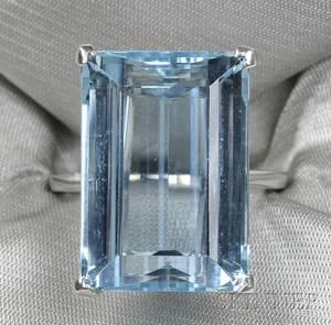 Platinum and Aquamarine Ring Raymond Yard