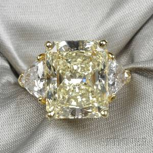 18kt Gold and Fancy Light Yellow Diamond Solitaire