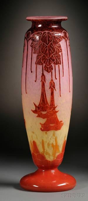 Charder Le Verre Francais Cameo Glass Vase