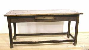Continental pine stretcher base table
