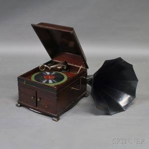 Tabletop Victor Talking Machine Co Victrola