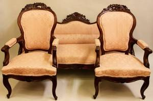 Walnut Framed 3Piece Victorian Parlor Set