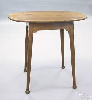 New England Queen Anne maple tavern table ca 1760