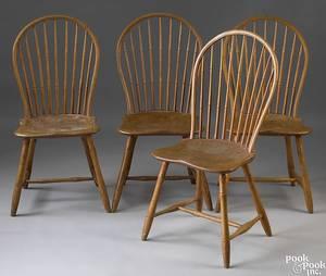 Set of 4 Philadelphia bowback side chairs ca 1810