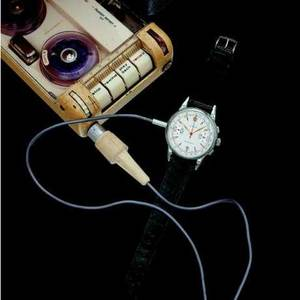 Spy recorder in the shape of a wristwatch