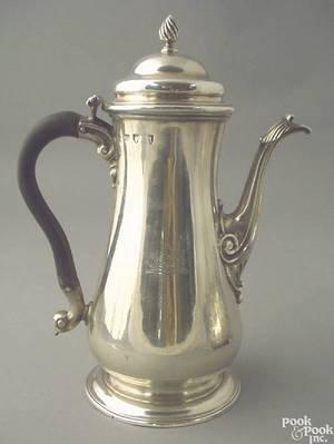Georgian silver teapot ca 17571758