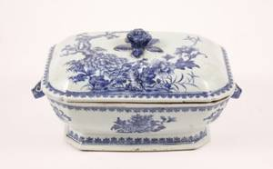 Large Blue  White Chinese Porcelain Lidded Tureen