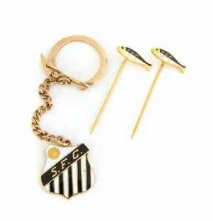 PEL SANTOS FC LAPEL PINS CUFFLINKS AND KEYCHAIN
