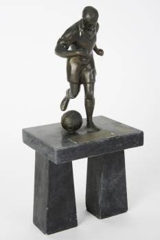 PEL CIRCA 1964 KING OF FOOTBALL TROPHY